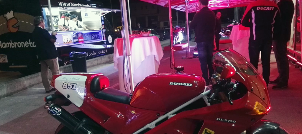 foodtruck-hambroneta-black-evento-ducati